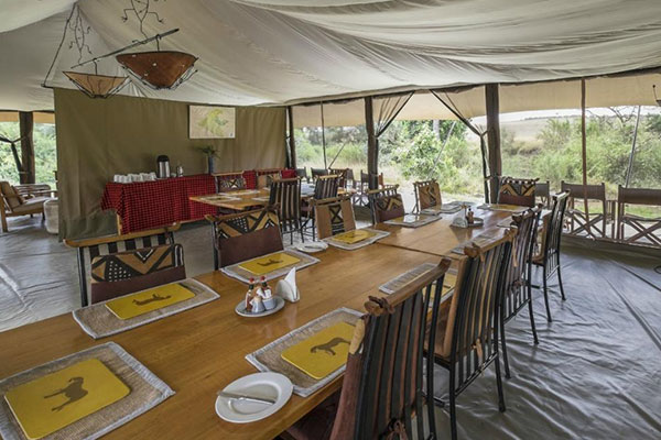 Kenya tented camp dining